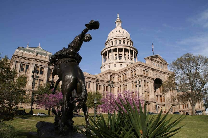 Texas-state-capitol-building-ed-schipul